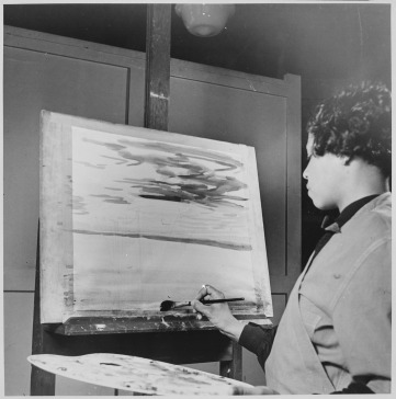 Lois_Jones,_artist_at_work_-_NARA_-_559228